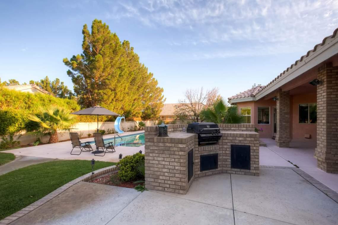 4530 N Cimarron Road Las Vegas-large-022-20-Patio-1500x1000-72dpi