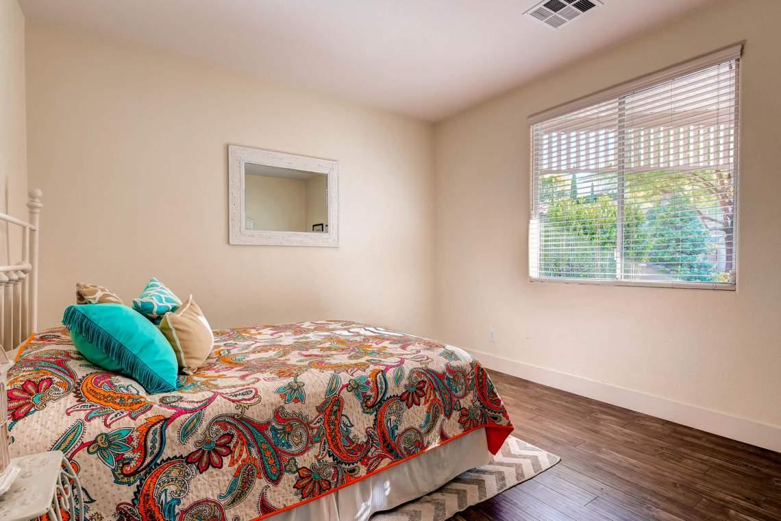 4213_Terrapin_Mountain_Drive-large-019-16-Bedroom-1500x1000-72dpi