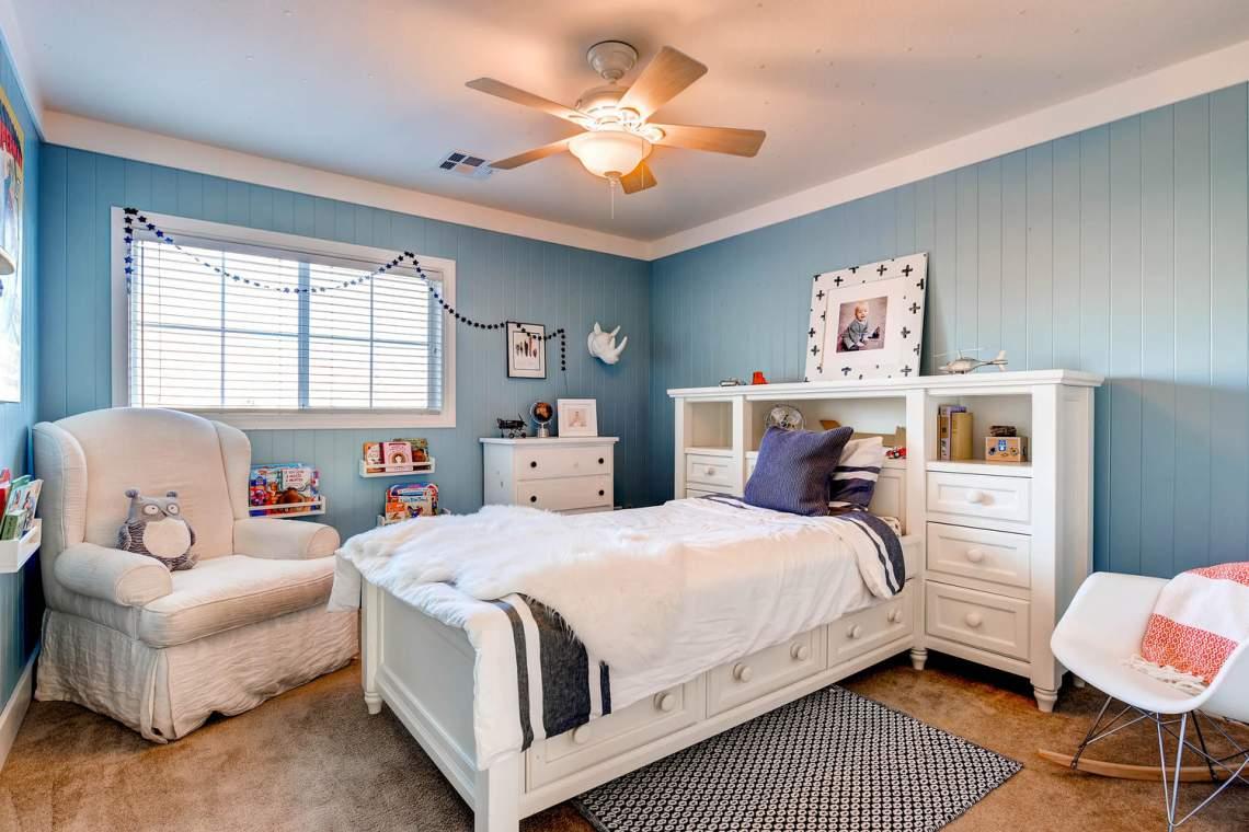 4213_Terrapin_Mountain_Drive-large-021-20-2nd_Floor_Bedroom-1500x1000-72dpi