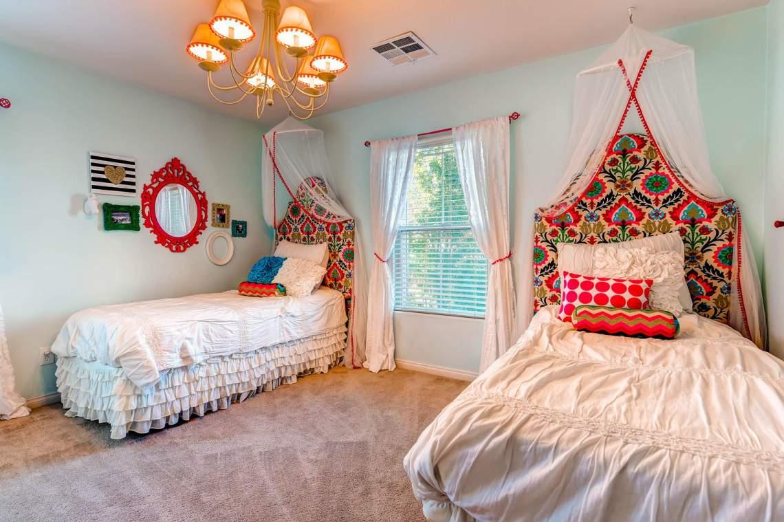 4213_Terrapin_Mountain_Drive-large-022-22-2nd_Floor_Bedroom-1500x1000-72dpi
