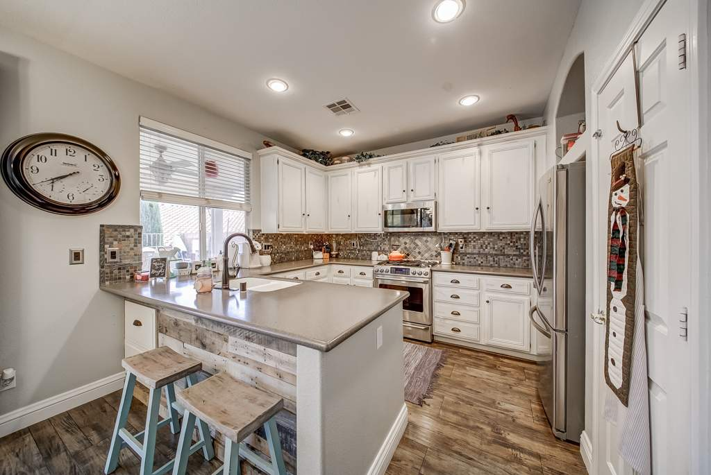 12 kitchen MLS